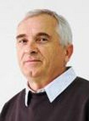Dr. sc. Savo TRIFUNOVIĆ, 1958, redoviti prof. na Fakultetu za mašinstvo i građevinarstvo u Kraljevu Univerziteta u Kragujevcu, šef Katedre društveno-ekonomske nauke i stranih jezika