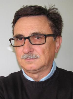 Dr. sc. strojarstva Zvonko HEROLD, 1953, redoviti profesor na Fakultetu strojarstva i brodogradnje u Zagrebu, voditelj Katedre za transportne uređaje i konstrukcije